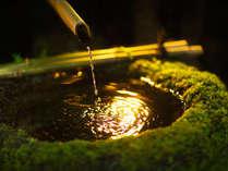 """■緑の木々に囲まれ耳を澄ますと、聞こえてくる様々な""""音""""を、静寂の中で感じる"""