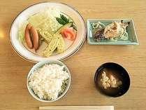 【エメラルドグリーンの海がすぐそこ!】日替わり朝食を食べて1日の始まりを元気に!/朝食付プラン