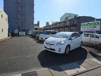 駐車場敷地内11台+提携駐車