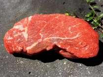 やっぱりステーキが食べたい♪溶岩プレートで焼いた「国産牛ステーキ」