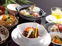 「特製ビーフシチュー」が付いた花曇の膳(ご夕食のイメージ)