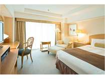 ダブルルーム(28平米)最もスタンダードなタイプのお部屋でも十分な広さ。