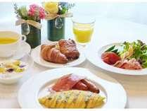 【アメリカンブレックファスト】 オーダー毎にシェフが腕をふるう5種類の卵料理がオススメです。