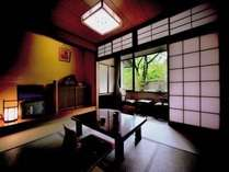 本館8畳和室-静かで落ちついた造りの一般タイプのお部屋です