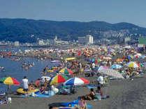 夏の伊東オレンジビーチは大賑わい!