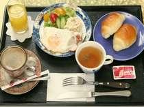 朝食(洋食)にはコーヒーをお付けいたしております(一例)