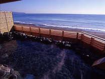 温泉露天風呂「天海の湯」からは雄大な太平洋をご覧いただけます