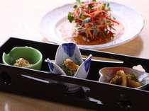 新潟ならではの珍味を揃えた前菜は美味