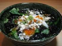 夕食の〆に「ご飯 味噌汁」か「オリジナル鯛茶漬け」か選べます。
