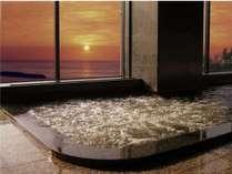 鯨波松島温泉 源泉の宿 夕日を眺めながらの展望風呂  夏には夕日がお風呂から正面に見えます。