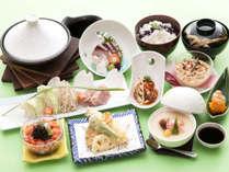 【野呂定食】地元産の新鮮な山海の旬の素材を活かした野呂山ならではのお料理です。
