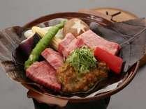 「A4飛騨牛朴葉味噌ステーキ」濃厚な味噌が特選ランクのお肉に絡んでご飯が進みます。