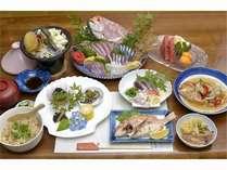 【サライの夕食】調理師歴15年のオーナーが自ら市場で仕入れた朝どれ新鮮な食材がいっぱい!