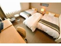 トリプルルーム 25平米(122cm幅ベッド2台+85cm幅ベッド1台)※定員小学生2名まで添寝可。