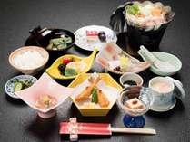 *【スタンダード会席一例】下関の旬の食材をひとつひとつ丁寧に心をこめて調理した会席料理です。