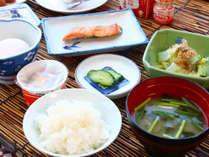 ■朝食一例_「ななつぼし」というブランド米を使用!毎日その日の分だけ精米するので新鮮!