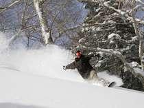 北海道をも凌駕する、極上の雪質『アスピリンスノー』