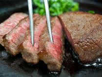 もちろん牛ロースステーキだって食べ放題!