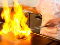 オープンキッチンにて八ヶ岳グリルの醍醐味をご堪能ください!