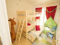 3段ベッドのある子ども部屋