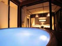 ジャグジー付露天風呂は色も変わってロマンチックな雰囲気に♪