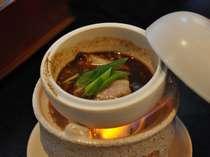 朝食(和食)での自慢の一品!伊勢鶏の鍋です。