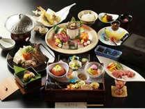 松阪牛伊勢海老鮑を使った会席料理※季節により料理内容や器が異なります。