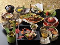 伊勢海老と眼張をチョイスされた場合の会席料理です。※季節により料理内容、器が異なります。