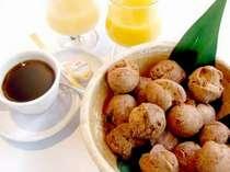 外はサクサク!中はフワフワ♪朝食メニューの1番の人気☆サーターアンダギー♪