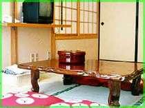 ペンションでは珍しい和室=冷暖房完備。トイレ、バス付。3名~5名様