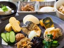 和朝食(例)*写真はイメージです