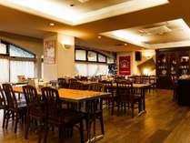 ●カフェ&バーみやび●営業時間 7時~11時、17時~21時。テイクアウトコーヒーあります。