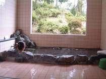 女湯・源泉掛け流しの天然温泉