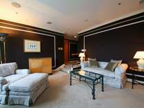 スタジアムスイート(64平米)ベッド180×210cm