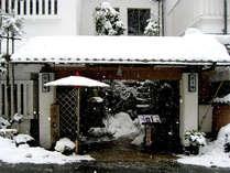 ■外観■冬は雪が積もり、風情が増します。