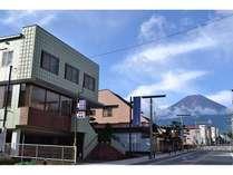 ホテル前から富士山を一望できます