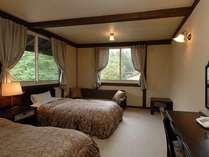 ツインルーム バス・トイレ付き床暖房。
