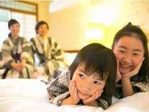 お子様もニッコリ☆ベッドでごろーんと横になっても、ゆたりとスペースがあります♪