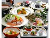 ●季節の素材と熊本ならではの郷土料理で皆様をお迎えします。
