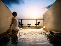 NEW!≪OPEN5周年記念☆7大特典!≫海に浮かぶ天空の露天風呂付客室 限定会席を個別会場で!