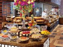 【朝食】バラエティ豊かなスウィーツコーナー。野菜を使ったスウィーツもご用意しております。