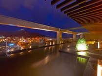 【大浴場】ベイエリアの夜景を眺めながら癒しのひとときを・・・。