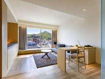 【客室】センチュリースイート/58平米/リビングとベッドルームがセパレートタイプのスイートルーム。