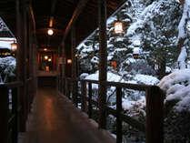 ●冬の渡り廊下