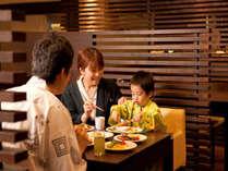 【レストラン銀杏】焼きたてのお肉など和洋中やお子様に人気のスイーツも食べ放題♪