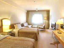 *【スタンダードツイン:Bルーム】ベッドは通常のツインのほか、ハリウッドタイプのお部屋もございます。