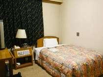 ◆シングルスタンダード(12平米)◆機能的に優れた客室です。種々の備品もありビジネスに最適です。