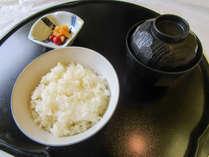 【朝食例(白米、お新香、味噌汁)】おかわりOK!