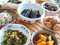 アリストンこだわりの朝ごはん「京のおばんざい」旬の素材をふんだんに使った京都の味をご堪能ください。
