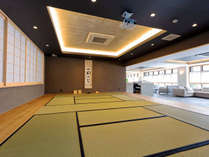 1F和室は、着物の展示会、お茶会など、皆様のお集りの際にご利用いただけます。